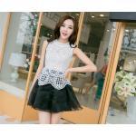 ( size S ) ชุดเดรสแฟชั่นเกาหลี ชุดเดรสน่ารัก ชุดเดรสออกงาน ชุดเดรสสั้น เสื้อสีขาว แขนกุด เย็บติดกระโปรงสีดำ