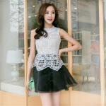 ( size XL) ชุดเดรสแฟชั่นเกาหลี ชุดเดรสน่ารัก ชุดเดรสออกงาน ชุดเดรสสั้น เสื้อสีขาว แขนกุด เย็บติดกระโปรงสีดำ