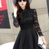 ชุดเดรสสั้นสีดำ เสื้อลูกไม้แขนยาว เย็บติดกับกระโปรงจีบทวิสเก๋ๆ แนวคุณหนู เรียบร้อย สวยหรู ดูดี สไตล์เกาหลี