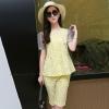 ชุดเซ็ทเสื้อกางเกงสีเหลือง เสื้อแขนสั้น ช่วงแขนเย็บผ้าตาข่าย พิมพ์ลายชุด