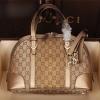 กระเป๋าถือ / ทรงพัด หนังผ้าแบรนด์ GUCCI (Pre)