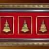 ของที่ระลึก กรอบชุดพระแก้วสามฤดู (สีแดง) (ขนาด : 7.5 x 13 นิ้ว )