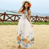 ชุดเดรสยาวสีขาว พิมพ์ลายดอกไม้สีส้ม ผ้าชีฟอง แขนกุด คอกลม ใส่ไปเที่ยวทะเล