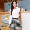 ชุดเดรสทำงานสวยๆสไตล์เกาหลี ชุดเซ็ต 2 ชิ้น เสื้อคอกลมแขนยาวสีขาว + กระโปรงสั้นลายตารางเก๋ๆ ( S M L XL ) เป็นชุดทำงานออฟฟิศ(บริษัท),คุณครู,ราชการ ให้ลุคสวยหวาน น่ารักๆ ดูเรียบร้อย