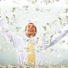 เงินกับความสุข ถ้าเรามีเงินเราจะมีความสุขมากขึ้น คนเชื่อว่าคนรวยย่อมมีความสุขมากกว่าคนจน การมีน้ำจิตน้ำใจเอื้ออารีน่าจะมีความสำคัญกว่าและสิ่งนี้ไม่สามารถซื้อได้ด้วยเงิน ดังนั้น ความสุขนี้ จึงเป็นเรื่องที่ไม่เกี่ยวกับเงินเลย