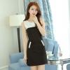 ชุดเดรสสั้นสีดำ แขนกุด คอกลม เอวเข้ารูป ช่วงคอเย็บผ้าสีขาว สวยหวาน