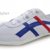 [พร้อมส่ง]รองเท้าผ้าใบแฟชั่น สีขาวคาดน้ำเงิน รุ่น Osaka