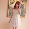 ชุดเดรสสั้นน่ารักสีขาว ผ้าชีฟอง คอกลม แขนกุด