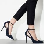 รองเท้า ส้นสูงหัวแหลม สไตส์ยุโรป 2015 แบบใหม่ สีดำ ไซส์ 35 - 39 (Pre)