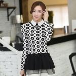 เสื้อทำงานสวยๆแฟชั่นเกาหลี เสื้อเชิ้ตสีขาว ลายดอกไม้ แขนยาว ปลายเสื้อแต่งระบาย ผ้าโพลีเอสเตอร์, S M L