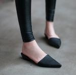 รองเท้าแฟชั่นผู้หญิง ส้นแบนหัวแหลม สีดำ ไซส์ 37