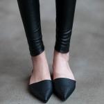 รองเท้าแฟชั่นผู้หญิง ส้นแบนหัวแหลม สีดำ ไซส์ 38 (Per)