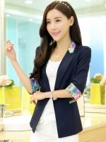 เสื้อสูททำงานผู้หญิงสีดำ ทรงสวย แขนยาว คอปก แต่งลายดอกไม้