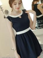 ชุดเดรสสั้นสีกรมท่า แขนกุด คาดเอวด้วยแถบสีขาว ใส่เป็นชุดลำลองสวยๆ ชุดทำงานน่ารักๆแนวเกาหลี