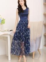 ชุดเดรสยาวสีน้ำเงินกรมท่า แขนกุด กระโปรงลายดอกไม้ผ้าชีฟองสวยพลิ้ว แนวเกาหลี สวยหวาน ดูดี