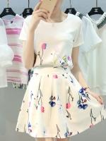 ชุดเสื้อ กระโปรงสั้น สีขาว ลายดอกไม้