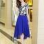 ชุดเดรสสั้นสีน้ำเงิน แขนสั้น ตัวเสื้อสีขาวพิมพ์ลายสีน้ำเงิน ผ้าชีฟอง กระโปรงบานพริ้ว thumbnail 4