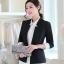 เสื้อสูททำงานผู้หญิงสีดำ แขนยาว ปลายแขนแถบสีขาว ทรงสวย ลุคเรียบๆ สวย ดูดี เรียบร้อย thumbnail 1