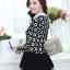 เสื้อทำงานสวยๆแฟชั่นเกาหลี เสื้อเชิ้ตสีดำ ลายดอกไม้ แขนยาว ปลายเสื้อแต่งระบาย ผ้าโพลีเอสเตอร์, S M L thumbnail 3