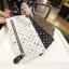 กระเป๋าสตางค์แบบซิบหน้าล๊อก/กระเป๋าคลัทช์ Louis Vuitton - Gucci thumbnail 1