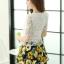 ชุดเดรสสั้นลายดอกไม้ เสื้อผ้าลูกไม้สีขาว เย็บต่อด้วยกระโปรงสั้นลายดอกไม้สีเหลือง เป็นชุดเดรสแฟชั่นน่ารักๆ สไตล์เกาหลี ( S,M,L,XL,) thumbnail 6