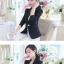 เสื้อสูททำงานผู้หญิงสีดำ แขนยาว ติดกระดุมมุกสุดหรู ทรงสวย ลุคเรียบๆ สวย ดูดี เรียบร้อย thumbnail 2