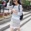 ชุดเดรสแฟชั่นสไตล์เกาหลีสวยๆ ชุดเซ็ดแยกชิ้นสีขาว เสื้อแขนยาว , กระโปรงสั้นเข้ารูป ผ้าไหมพรม เนื้อผ้ายืดได้ thumbnail 2