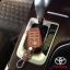 ซองหนังแท้ ใส่กุญแจรีโมทรถยนต์ รุ่นเรืองแสง Toyota Fortuner/Camry Hybrid Smart Key 4 ปุ่ม thumbnail 1