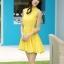 ชุดเดรสสั้นสีเหลือง ผ้าชีฟอง คอจีน ชายกระโปรงจับจีบเป็นระบาย ลุคสาวหวาน เรียบๆ ดูดี thumbnail 3