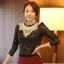 เสื้อทำงาน ผ้าลูกไม้ สีดำ คอแต่งระบายด้วยลูกไม้สีขาว แขนยาว เป็นเสื้อทำงานไสต์เรียบหรู, S M L XL thumbnail 1