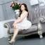 ชุดเดรสน่ารักแฟชั่นเกาหลี เดรสสั้นสีขาว ปักลายดอกไม้ คอกลม แขนกุด เอวเข้ารูป กระโปรงทรงสุ่ม S M L XL thumbnail 2