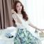 ชุดเซ็ท 2 ชิ้น เสื้อสีขาวแขนสามส่วน คู่กระโปรงพิมพ์ลายดอกไม้น่ารักๆ สีฟ้า thumbnail 2