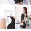 ชุดเดรสสั้นสีดำ แขนสั้น เอวเข้ารูป กระโปรงบาน ช่วงคอเย็บผ้าสีขาว สวยดูดี thumbnail 2