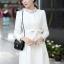 ชุดทำงานแฟชั่นเกาหลีสวยๆ มินิเดรสน่ารัก เดรสสั้น แขนยาว สีขาว คอประดับคริลตัล ( S M L XL ) thumbnail 5