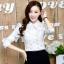 เสื้อทำงานแฟชั่นเกาหลี เรียบหรู ดูดี เสื้อเชิ้ตทำงานสีขาว คอปก แขนยาว ผ้าชีฟอง แต่งลายดอกไม้ , S M L XL thumbnail 1