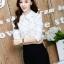 เสื้อทำงานแฟชั่นเกาหลี เรียบหรู ดูดี เสื้อเชิ้ตทำงานสีขาว คอปก แขนยาว ผ้าชีฟอง แต่งลายดอกไม้ , S M L XL thumbnail 2