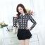 เสื้อทำงานสวยๆแฟชั่นเกาหลี เสื้อเชิ้ตสีดำ ลายดอกไม้ แขนยาว ปลายเสื้อแต่งระบาย ผ้าโพลีเอสเตอร์, S M L thumbnail 4