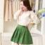 ชุดดรสแฟชั่นเกาหลี ชุดเดรสสั้นน่ารักสวยๆ ชุดเซต 2 ชิ้น ชุดเดรส (ตัวใน) เดรสเสื้อสายเดี่ยวสีขาว เย็บติดกับ กระโปรงสีเขียว มีซิปข้าง + เสื้อครอปแขนยาว ผ้าแก้วพิมพ์ลายดอกไม้ , thumbnail 2