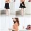 ชุดเดรสทำงานสีส้ม สองชิ้น เสื้อสีขาวพิมพ์ลาย แขนสั้น คอกลม กระโปรงผ้าชีฟอง สีดำ thumbnail 2