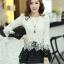 เสื้อแฟชั่นเกาหลีน่ารักๆ เสื้อแขนยาวลูกไม้ สีขาว ขาว คอกลม ปลายเสื้อแต่งด้วยผ้าแก้ว, S M L thumbnail 2