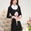 ชุดเดรสสั้นสีดำ คอปกสีขาว ปลายแขนพับขึ้น ด้านหน้าพิมพ์ลายตุ๊กตาน่ารักๆ แนวเกาหลี thumbnail 3