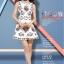ชุดเดรสสั้นสีขาวลายดอกไม้สวยหรู คอประดับคริสตรัส แขนกุด สไตล์เกาหลี ไซส์ XL thumbnail 4