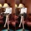 เสื้อทำงานแฟชั่นสไตล์เกาหลีสวยๆ เสื้อแขนยาวสีขาว คอปกลูกไม้สีดำเก๋ๆ ผ้าชีฟอง กระดุมผ่าหน้า thumbnail 4