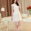 ชุดเดรสสั้นสีขาวสวยหวานสไตล์เกาหลี ผ้าลูกไม้ คอปก มีแขน thumbnail 2