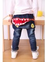 *ส่งฟรี* เสื้อผ้าเด็กนำเข้า กางเกงยีนส์ขายาว มีกระเป๋าข้าง ด้านหลังแต่งซิปเปิดปิดเป็นรูปปากฉลาม ไซส์ 100, 110, 120, 130, 140