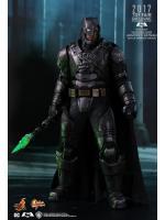 Hot Toys MMS417 BATMAN V SUPERMAN: DAWN OF JUSTICE - ARMORED BATMAN (BATTLE DAMAGED VERSION)
