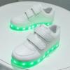 รองเท้ามีไฟ รองเท้า LED สีขาว แบบไม่มีเชือกผูกรองเท้า เปลี่ยนสีได้ 11 สี สินค้าพรีออเดอร์
