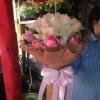 ช่อดอกกุหลาบสีขาวชมพู ดอกไม้สด