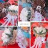 ช่อดอกกุหลาบสีขาว พร้อมตุ๊กตาหมีสีน้ำตาล