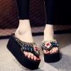 [มีหลายแบบ] รองเท้าแตะคีบส้นสูง ประดับเพชรเม็ดใหญ่สไตล์โบฮีเมียน